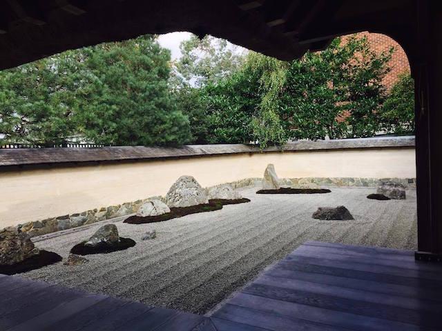 三輪精舎の石庭